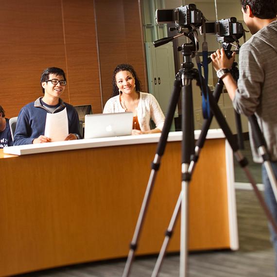 how to get a journalism internship